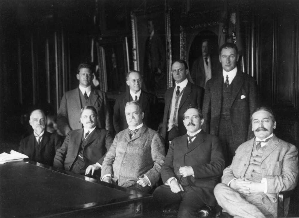 Mihajlo Pupin na prvom zasedanju NASA (1915)