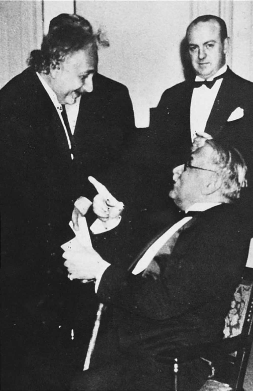 Pupin i Ajnštajn u razgovoru