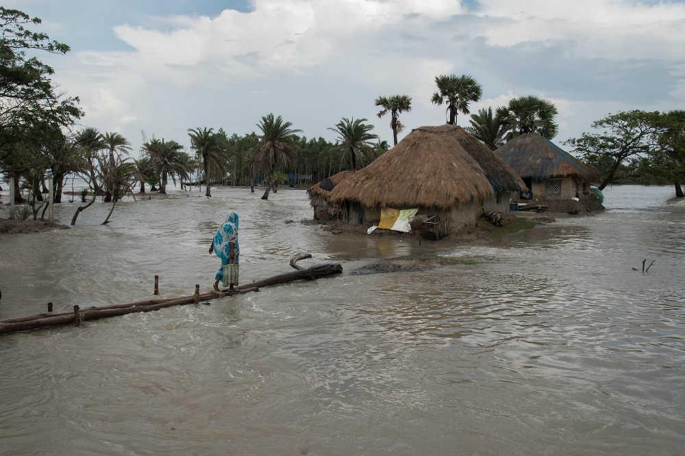 Foto: Sushavan Nandy/Barcroft Images (Mousuni, potapajuće ostrvo u Zapadnom Bengalu)