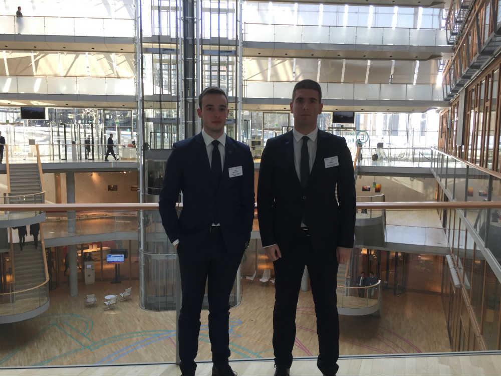 Filip Mikanović i Luka Nikolić u Luksemburgu u prostorijama EIB
