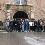 Članovi i prijatelji Centra u Prizrenu, ispred Bogorodice Ljeviške