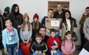 Članovi Centra sa decom iz Vidanja