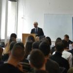 Nj.E. Frederik Mondoloni drži predavanje studentima
