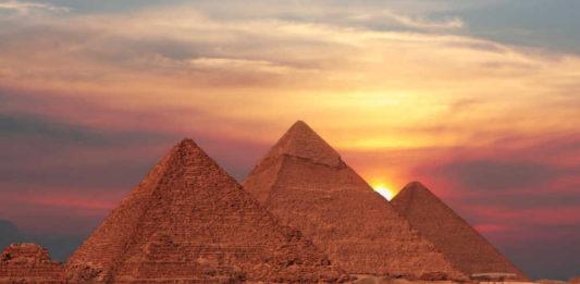 Panorama egipatskih piramida