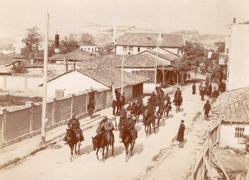 Ulazak srpske vojske u Skoplje 26. oktobra 1912. godine nakon Kumanovske bitke u Prvom balkanskom ratu