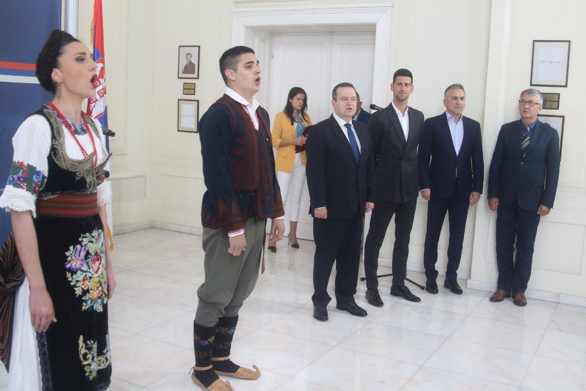 Intoniranje himne na svečanosti povodom obeležavanja Dana diplomatije (Foto: Ministarstvo spoljnih poslova RS)