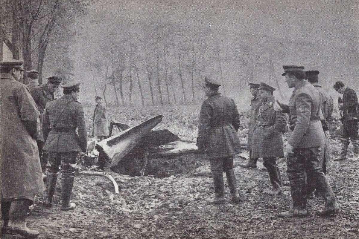 Ostaci aviona u kom je poginuo Enriko Matei u blizini mesta Baskape (Foto: antimafiaduemila.com)