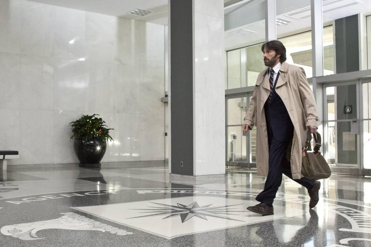 Ben Aflek kao Toni Mendez u sedištu CIA-e (Foto: Claire Folger/Warner Bros. Entertainment Inc.)