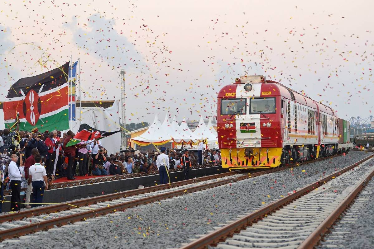 Ljudi proslavljaju otvaranje železničke pruge Najrobi-Mombasa (Foto: Tony Karumba/AFP/Getty Images)